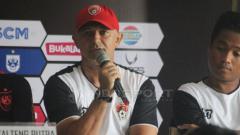 Indosport - Mario Gomes de Olivera dalam jumpa pers Piala Presiden 2019.