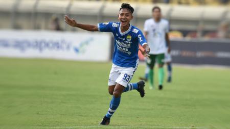 Kembalinya Beckham Putra Nugraha ke skuat Persib Bandung membuatnya menjadi sasaran kejahilan rekan setimnya. - INDOSPORT