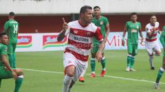 Indosport - PSS Sleman vs Madura United
