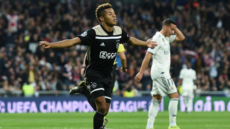 Selebrasi pemain Ajax Amsterdam, David Neres, Copyright: INDOSPORT