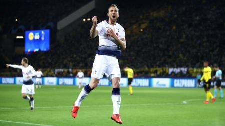Harry Kane merayakan gol ke gawang Dortmund. - INDOSPORT