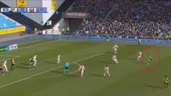Indosport - Gol Indah Foor, calon pemain Timnas Indonesia ke gawang Ajax