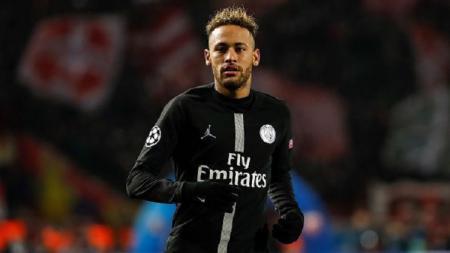 Striker Paris Saint-Germain, Neymar, yang dikabarkan menjadi incaran utama Barcelona. - INDOSPORT