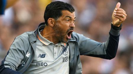 Pelatih Porto, Sergio Conceicao mengecam kelakuan buruk juru taktik Manchester City, Pep Guardiola, selama bentrokan  Liga Champions. - INDOSPORT