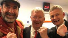 Indosport - Menang telak atas Luton Town di Piala Liga Inggris atau Carabao Cup, Ole Gunnar Solskjaer sukses pecahkan rekor pelatih legendaris Manchester United, Sir Alex Ferguson.