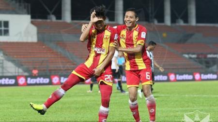 Syahmi Safari bersama Evan Dimas ketika memperkuat Selangor FA - INDOSPORT