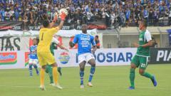Indosport - Jalannya laga Persib Bandung vs Persebaya Surabaya di Piala Presiden 2019.