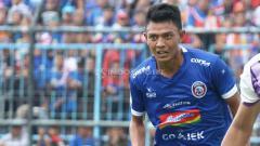Indosport - Striker andalan Arema FC, Dedik Setiawan kesampingkan soal persaingan di lini depan Timnas.