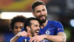 Indosport - Selebrasi Giroud dan Pedro di laga Chelsea vs Dynamo Kiev, Jumat (08/03/19).