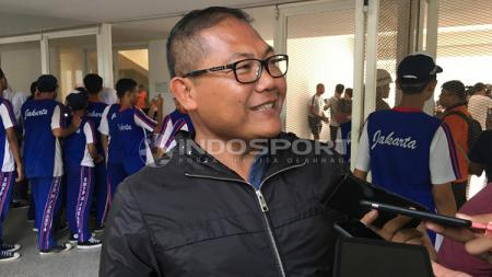 Manajer Bhayangkara FC, Sumardji ditemui awak media saat latihan Timnas U-23. - INDOSPORT