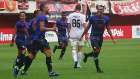 Aleksandar Rakic berselebrasi usai mencetak gol ke gawang Persija Jakarta. - INDOSPORT
