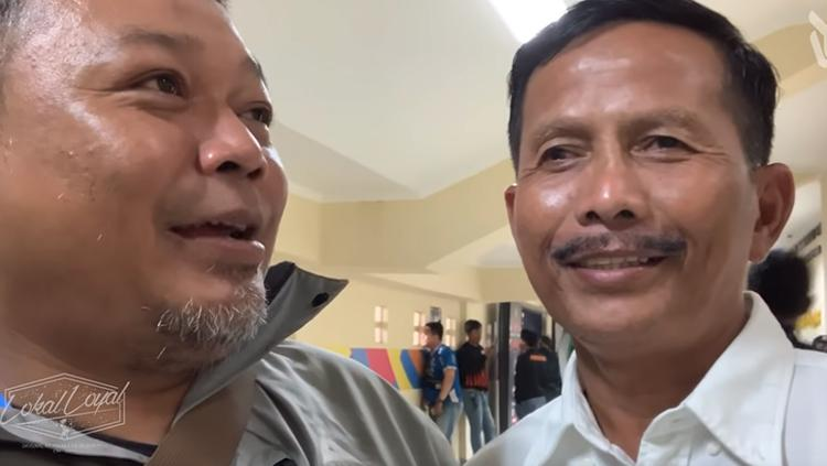 Ketum VPC Yana Umar bersama eks pelatih Persib Djajang Nurjaman. Copyright: Youtube/Yana Umar