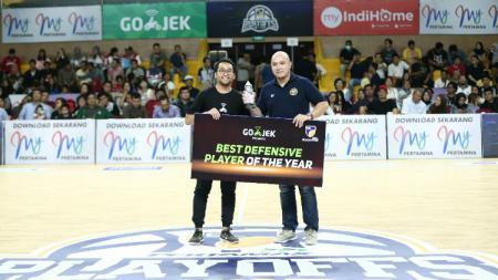 Michael Vigilance Jr dinobatkan sebagai Best Defensive Player di IBL 2018-2019. - INDOSPORT