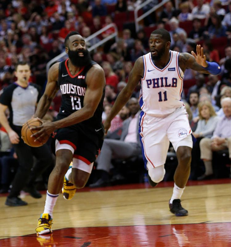 James Harden, pemain bintang Houston Rockets (kiri). Copyright: INDOSPORT