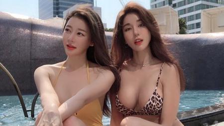 DJ Siena Park Si-hyun (kanan) bersama seorang temannya. - INDOSPORT