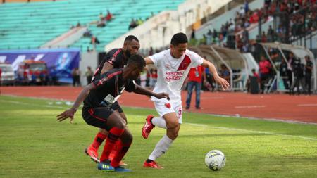 Terdapat sisi lain akan perbedaan harga skuat yang begitu mengesankan antara PSM Makassar dan Persipura Jayapura di Liga 1 2019. - INDOSPORT