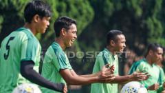 Indosport - Persebaya Surabaya saat sedang latihan.