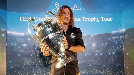 Punya rencana masa depan, Barcelona kini ingin kembali memulangkan mantan kaptennya, Carles Puyol ke Camp Nou. - INDOSPORT