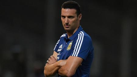 Lionel Scaloni, pelatih Timnas Argentina merasa beruntung timnya imbang melawan Paraguay. - INDOSPORT