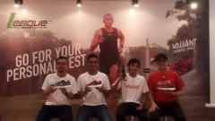 Indosport - Produsen League Luncurkan Sepatu Merk Baru.