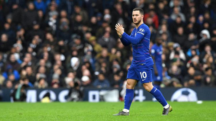 Eden Hazard pergi meninggalkan lapangan Copyright: INDOSPORT