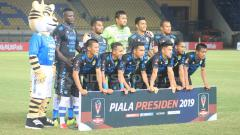 Indosport - Starting eleven Persib Bandung menghadapi Perseru Serui.