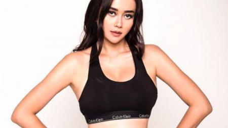 Aktris Seksi, Aura Kasih - INDOSPORT