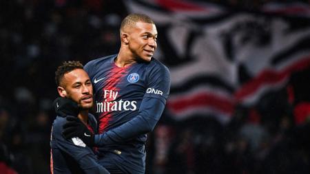 Neymar dan Kylian Mbappe, 2 pemain bintang Paris Saint-Germain yang dikabarkan masuk dalam radar transfer Real Madrid. - INDOSPORT