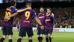 Indosport - Pemain Barcelona Melakukan selebrasi