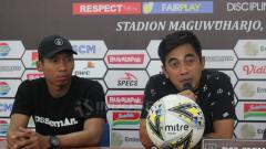 Indosport - Seto Nurdiyantoro dan Ega Rizki Permana dalam jumpa pers.