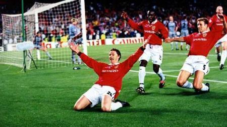 Ole Gunnar Solskjaer saat merayakan gol yang membuat Manchester United comeback di Camp Nou pada Liga Champions 1998/99. - INDOSPORT