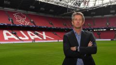 Indosport - Edwin van der Sar kini bekerja di manajemen Ajax Amsterdam.
