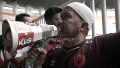 Indosport - Nama Uki Nugraha mungkin tak asing bagi pecinta PSM Makassar. Pria yang kerap disapa Daeng Uki ini merupakan Panglima Laskar Ayan Jantan (LAJ).