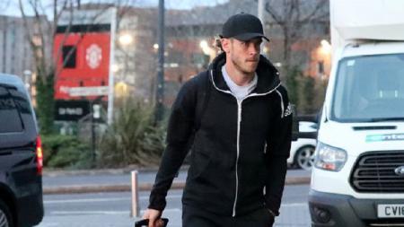 Gareth Bale terlihat tiba di hotel dekat Old Trafford. - INDOSPORT