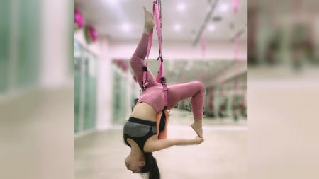 Salmafina Sunan sedang berolahraga - INDOSPORT