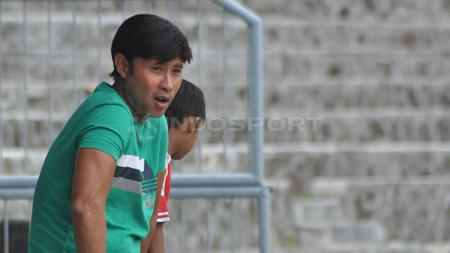 Pelatih Madura FC, Eduard Tjong. Foto: Herry Ibrahim/INDOSPORT - INDOSPORT