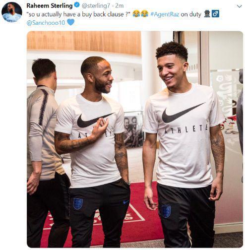 Postingan Raheem Sterling bersama Jadon Sancho yang dihapus dari akun Twitter-nya Copyright: Caughtoffside