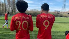 Indosport - Skuat Timnas U-16 Garuda Selection Dalam Laga Kontra Huddersfield Town