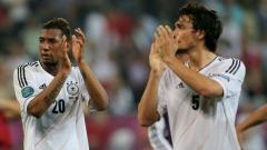 Indosport - Jerome Boateng dan Mats Hummels Saat Membela Timnas Jerman