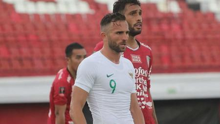 Ilija Spasojevic saat membela Timnas Indonesia melawan Bali United. - INDOSPORT