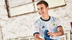 Indosport - Jersey anyar Timnas Argentina