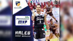 Indosport - Kaleb Ramot Gemilang meraih gelar MVP IBL 2019.