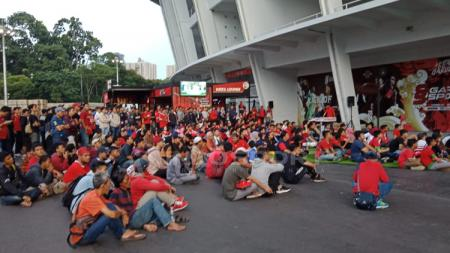 Suasana nonton bareng laga Indonesia vs Thailand di Gelora Bung Karno, Jakarta. - INDOSPORT