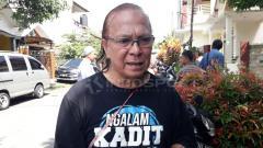 Indosport - Salah satu pendiri Arema, Ovan Tobing menceritakan awal mula logo Arema yg diciptakan Almarhum Rudi Satrio Lelono dgn filosofinya.