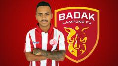 Indosport - Fernando Jose Gomes Junior dan logo Badak Lampung FC.