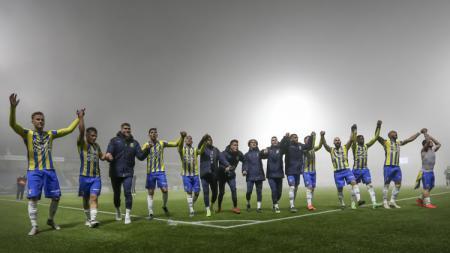 RKC Waalwijk klub Ezra Walian merayakan kemenangan di Eerste Divisie. - INDOSPORT