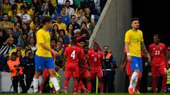 Indosport - Selebrasi Panama usai cetak gol ke gawang Brasil