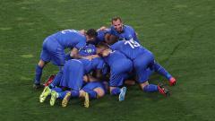 Indosport - Pemain Italia Melakukan Selebrasi usai Menjebol Gawang Finlandia di Kualifikasi Euro 2020