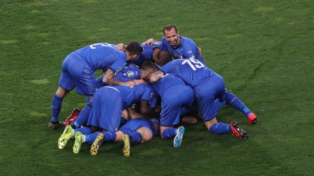Pemain Italia Melakukan Selebrasi usai Menjebol Gawang Finlandia di Kualifikasi Euro 2020 - INDOSPORT