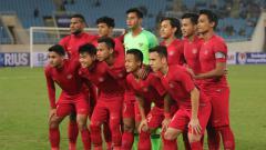 Indosport - Skuat Timnas Indonesia U-23 saat menghadapi Vietnam.